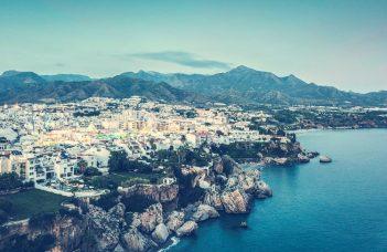 Viaje a Nerja y Frigiliana desde Granada
